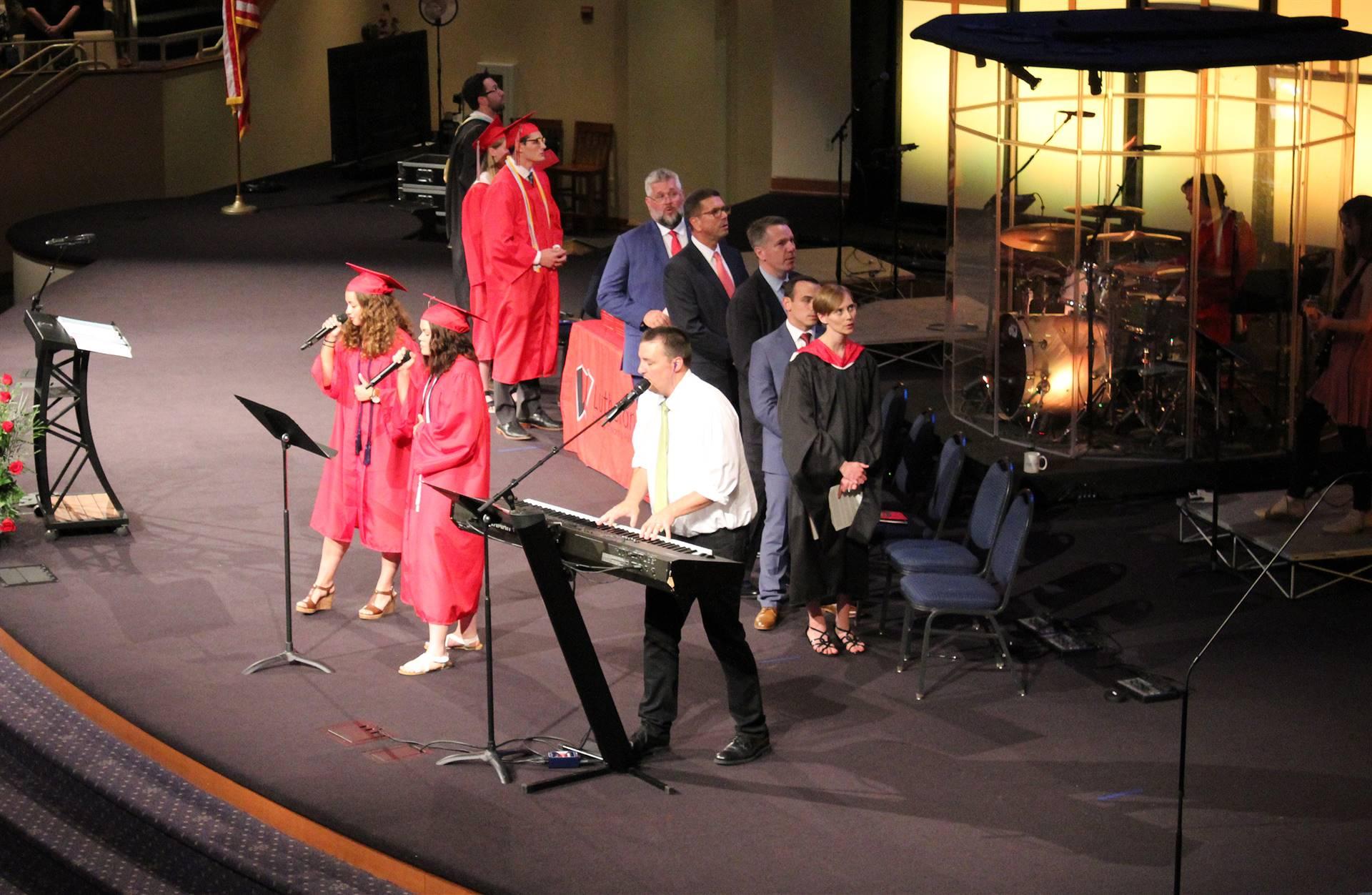 Graduation-Singers