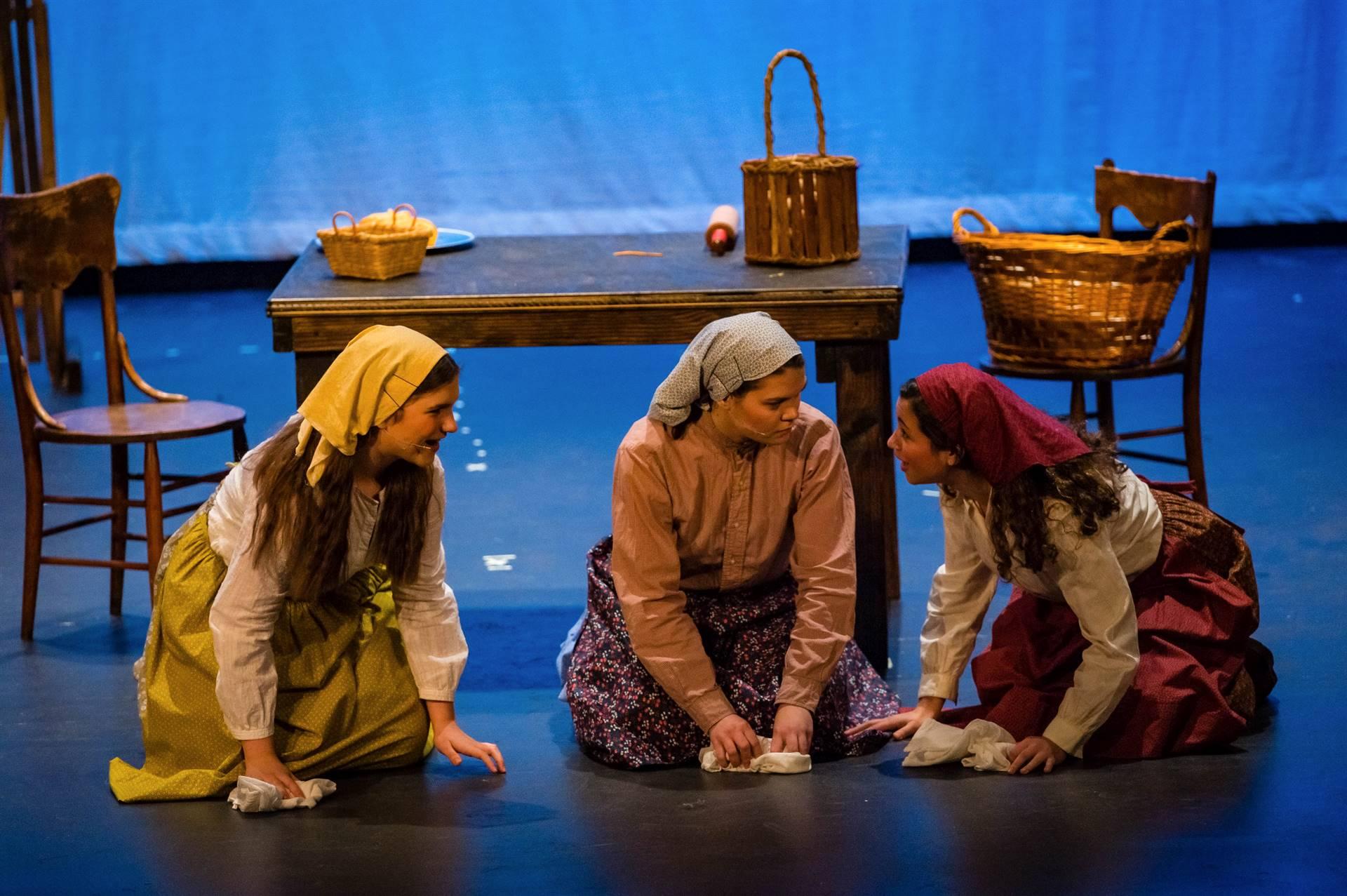 Fiddler-Actresses