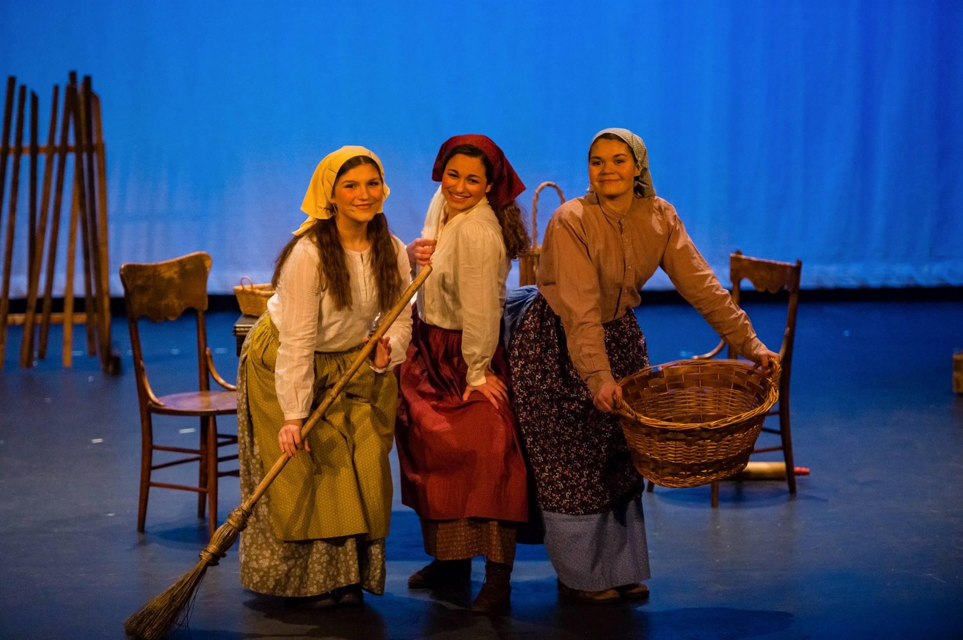 Fiddler-Women