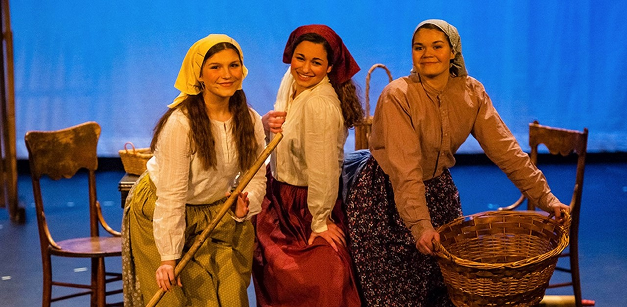 Fiddler-on-the-Roof-Girls